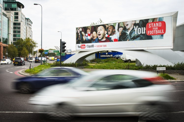 DoubleClick - reklama Youtube przy rondzie Vauxhall